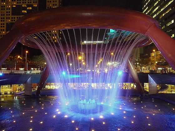 fountain_of_wealth_suntec_2